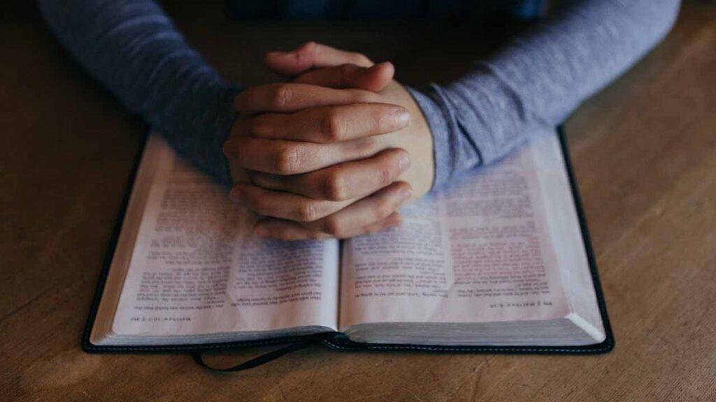 बाइबिल क्या है? - What is Bible In Hindi - Bible Kya Hai In Hindi