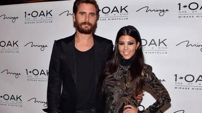 किम कार्दशियन (Kim Kardashian) की बहन कर्टनी कार्दशियन (Kourtney Kardashian) ने रियलिटी टीवी शो 'कीपिंग अप विद द कार्दशियन' ('Keeping Up with the Kardashians') और इसके स्पिन-ऑफ में अभिनय किया है और ये आज के समय में एक जानी-मानी हस्तियों में से एक हैं, जिनके Instagram (kourtneykardash) पर मिलियंस फोलोवर हैं.