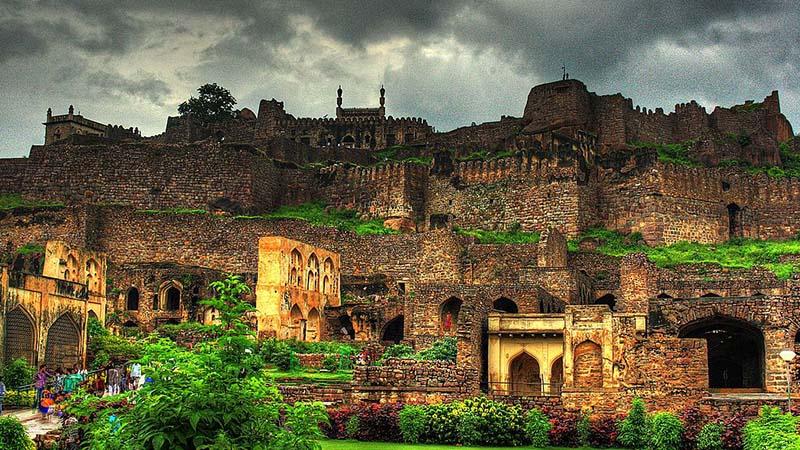 गोलकुंडा किला (Golconda Fort)
